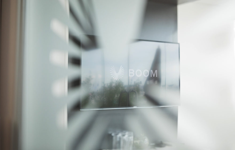 Boom meeting room TV